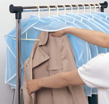 【アイデア雑貨】スーツ肩だけホコリよけ